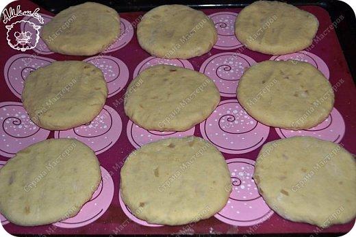 Простые в приготовлении и очень интересные по вкусу лепешки, которые могут заменить хлеб к первому блюду.  фото 10