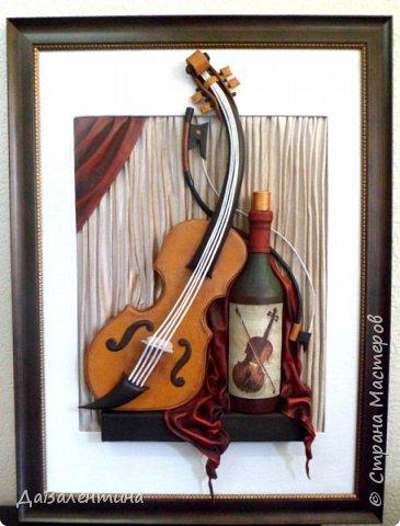 """Приветствую всех Мастеров и Мастериц, увлеченных творчеством. Сегодня, я представляю Вам один МК сразу по двум картинам. Первая называется """"Вечная любовь"""", вторую я назвала """"Веселая"""" скрипка"""". Вдохновением  для создания обеих картин послужили скульптуры великолепного художника Fhilippe Guillerm. Деревянные скульптуры мастера причудливы и необычны. Музыкальные инструменты в точности повторяют человеческие действия и воспроизводят сцены из повседневной жизни людей: держатся за руки, танцуют, обнимаются, карабкаются на гору, читают книги... Я думаю, что многие из Вас видели его работы в интернете. И я не осталась равнодушна, так захотелось воплотить его идеи в коже.  Вот,что у меня получилось. фото 7"""