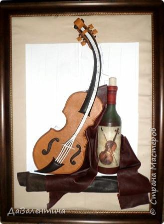 """Приветствую всех Мастеров и Мастериц, увлеченных творчеством. Сегодня, я представляю Вам один МК сразу по двум картинам. Первая называется """"Вечная любовь"""", вторую я назвала """"Веселая"""" скрипка"""". Вдохновением  для создания обеих картин послужили скульптуры великолепного художника Fhilippe Guillerm. Деревянные скульптуры мастера причудливы и необычны. Музыкальные инструменты в точности повторяют человеческие действия и воспроизводят сцены из повседневной жизни людей: держатся за руки, танцуют, обнимаются, карабкаются на гору, читают книги... Я думаю, что многие из Вас видели его работы в интернете. И я не осталась равнодушна, так захотелось воплотить его идеи в коже.  Вот,что у меня получилось. фото 51"""