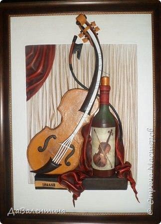 """Приветствую всех Мастеров и Мастериц, увлеченных творчеством. Сегодня, я представляю Вам один МК сразу по двум картинам. Первая называется """"Вечная любовь"""", вторую я назвала """"Веселая"""" скрипка"""". Вдохновением  для создания обеих картин послужили скульптуры великолепного художника Fhilippe Guillerm. Деревянные скульптуры мастера причудливы и необычны. Музыкальные инструменты в точности повторяют человеческие действия и воспроизводят сцены из повседневной жизни людей: держатся за руки, танцуют, обнимаются, карабкаются на гору, читают книги... Я думаю, что многие из Вас видели его работы в интернете. И я не осталась равнодушна, так захотелось воплотить его идеи в коже.  Вот,что у меня получилось. фото 57"""