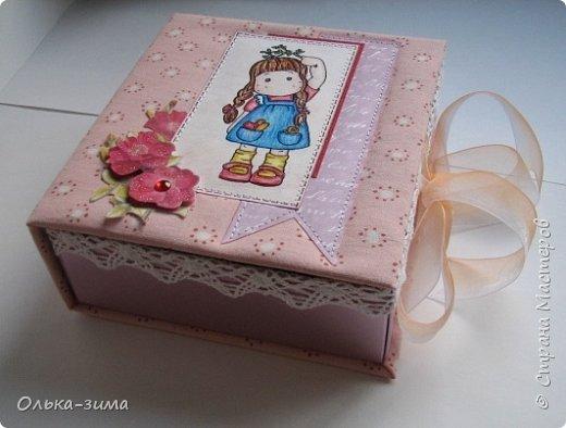 Добрый день. Хочу показать вам шкатулку, которую делала в подарок для дочкиной подруги. Размер 15х16,5см и высотой 6см. фото 1