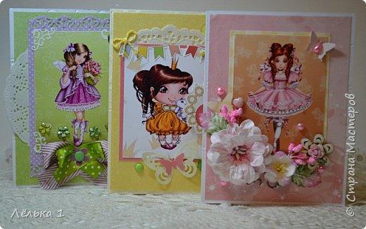Всем привет!!! Делала открытку девочке на день рождения 7 лет, для выбора сделала три. Детских открыток еще не делала, да и рисунки этой художницы (LIA) очень нравятся мне, вот и получилась такая мини серия. Материалы: бумага скрапберрис, пуговицы, цветы, брадс, полубусины и т.д. Размер 10*15.  №1 фото 8