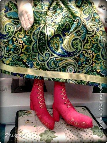 Здравствуйте дорогие жители моей любимой Страны!  Представляю на ваш суд вот такуб Бабку Ежку. Вдохновила мен на нее замечательная мастерица Сорбонна, мне конечно далеко до такого мастерства, но я старалась!))) фото 4