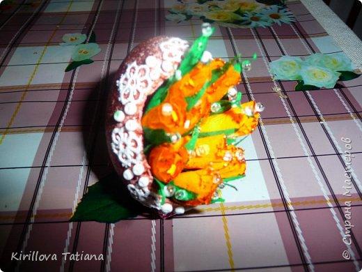Декор яиц с квиллинговой веточкой и натуральной шишечкой.Скорлупки оформлены бисером и микробисером, фото 4