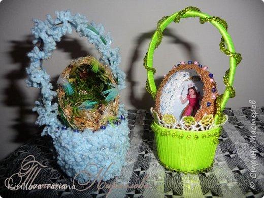 Декор яиц с квиллинговой веточкой и натуральной шишечкой.Скорлупки оформлены бисером и микробисером, фото 3