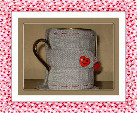 Всем доброго вечера, дорогие соседи! Вот такой свитерок для чашки у меня сегодня связался. Просто для хорошего настроения. Вдохновилась здесь http://www.liveinternet.ru/users/5035724/post295598253. фото 1