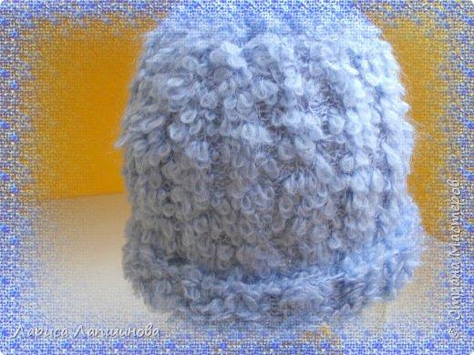 И снова здравствуйте, мои дорогие мастера!!! Сегодня я к вам с шапками, связанными на заказ.  Светлая шапочка с ушками и помпонами. Связана из Турецкой пряжи АЛИЗЕ - Миди Мозаик. Ушел 1 моток ( 100г-170м) фото 4