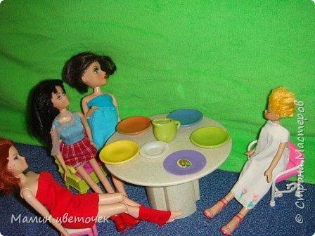 Всем привет!Сегодня мои девчонки решили устроить чаепитие. Поэтому все собрались у Каролины.Каролина как хозяйка всех обслуживала.  фото 2