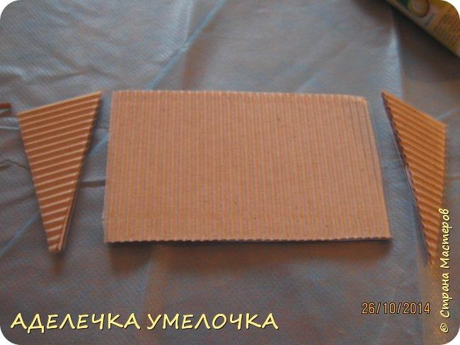 Привет! давно ещё я делала этот домик для маленьких куколок из киндера...выкладываю сейчас...   материалы: -бумага цветная -картон плотный -игрушечки(у меня мини барби) -ножницы -линейка -карандаш  -клей фото 6