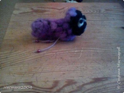 Фиолетовая овечка. Подарена маме на Новый Год. Все работы выполнены из шерсти. фото 1