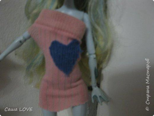 сегодня я сшила 3 кукольных костюмов вот один из них: Эту куклу зовут Лагуна ей я решила сшить тунику и ободок фото 2
