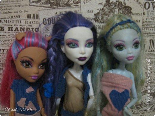 сегодня я сшила 3 кукольных костюмов вот один из них: Эту куклу зовут Лагуна ей я решила сшить тунику и ободок фото 15