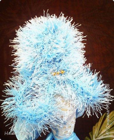 Моя Голубка в цвете немного от неба и первых цветов,  мечтательница, наслаждается их запахом,  и пусть  весь мир подождёт...  Она мне очень близка.  Решила показать. фото 3