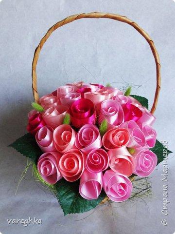 корзинка с розами из лент(душистая) фото 14