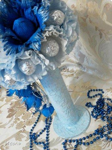 """Приветствую всех жителей и гостей страны! Попросили сделать что нибудь конфетное на 36 годовщину свадьбы.  Порылась в нете, узнала, что свадьба Агатовая, справляется на 12 и 36 год. В разрезе агат  натурального окраса не очень то нарядных цветов, а вот крашеный - разнообразных. В результате получилась """"Голубая лагуна"""". Конфеты: """"Барокко""""- 29шт., """"Волжские просторы""""-8шт. фото 6"""