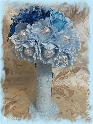 """Приветствую всех жителей и гостей страны! Попросили сделать что нибудь конфетное на 36 годовщину свадьбы.  Порылась в нете, узнала, что свадьба Агатовая, справляется на 12 и 36 год. В разрезе агат  натурального окраса не очень то нарядных цветов, а вот крашеный - разнообразных. В результате получилась """"Голубая лагуна"""". Конфеты: """"Барокко""""- 29шт., """"Волжские просторы""""-8шт. фото 4"""