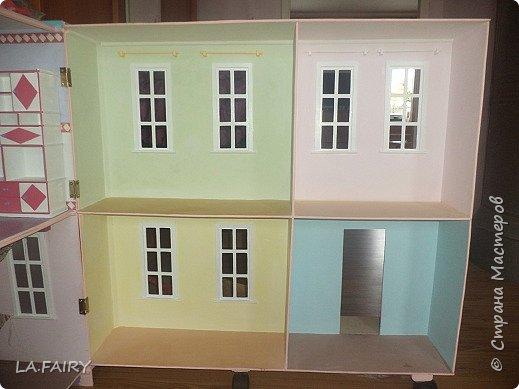 Такой кукольный домик сделал наш папа (из фанеры 6 мм.). Это одно из первых фото. фото 22