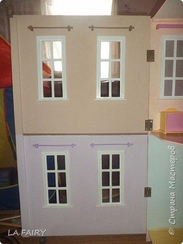 Такой кукольный домик сделал наш папа (из фанеры 6 мм.). Это одно из первых фото. фото 21