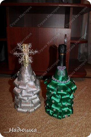 Всем привет! Хочу представить вам работы моей сестренки. Её зовут Женя. Она новичок в технике декупаж,но успела полюбить это увлекательное занятие. Всех близких и родных порадовали на Новый год вот таким шампанским. Они были украшением стола. фото 3