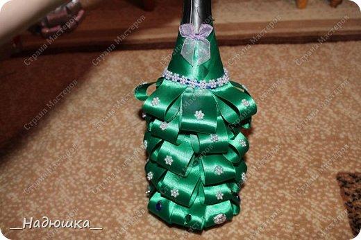 Всем привет! Хочу представить вам работы моей сестренки. Её зовут Женя. Она новичок в технике декупаж,но успела полюбить это увлекательное занятие. Всех близких и родных порадовали на Новый год вот таким шампанским. Они были украшением стола. фото 5