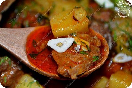 Бограч - это венгерский суп, очень популярный также на Закарпатье. Другие названия бограча - богораш, богорош, мадьярский гуляш, бограч-гуляш, бограч-гуйяш. Этот суп очень сытный и несложный в приготовлении.  фото 21