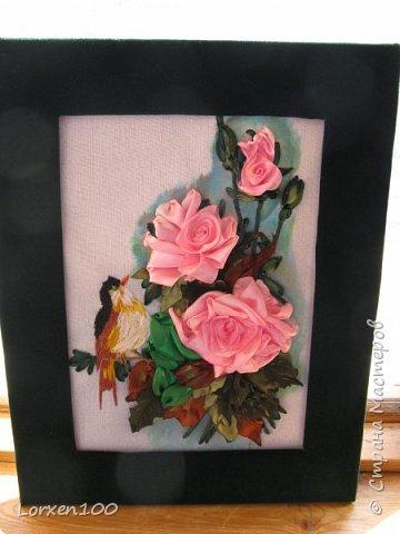 Здравствуйте,мои дорогие соседи-жители  любимой Страны!Что-то начало года меня разленило,месяц прошел,а никаких работ новых,в игры играю- в детство впала)) Но,между делом,такая вот птичка с розами у меня появилась!Птичка чирикает так славно,а розы благоухают)))очень меня радуют!Надеюсь,что и вы улыбнетесь,мои милые!! фото 1