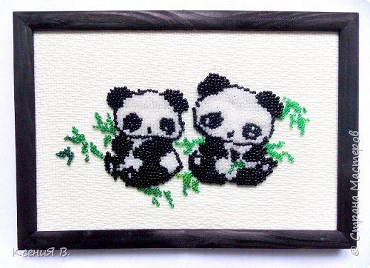 Простая вышивка милых панд с листочками бамбука. фото 1