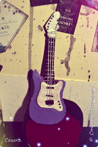 Привет  страна  с вами   Милана  Сегодня    я  покажу    и  в  крацыи   расскажу как сделать  Гитару  Скажу  по  секрету  делаю  ее в  подарок  для  Греса тсссс фото 3