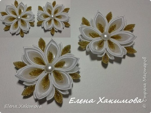 Очень уж мне понравилось собирать цветочки из классических острых, круглых лепестков канзаши. Вот что напридумывалось за последнее время: красно-белое сочетание цвета тоже своего рода классика. фото 4