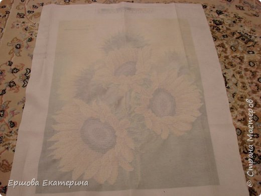 Картина бисером, частичная вышивка, с нанесенным рисунком на канву. Производитель Украина Картины бисером. Готовая работа получилась внушительных размеров. Размер с рамкой 47 на 57 см. фото 19