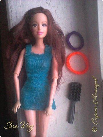 Всем приветики.Сегодня решила вам показать находку из интернета.Нашла как сделать кукле причёску с чёлкой,может кто-то её видел,но я вам её покажу!Это что-то типа Краткого мк. простите,но фото будут к сожалению не ахти фото 2