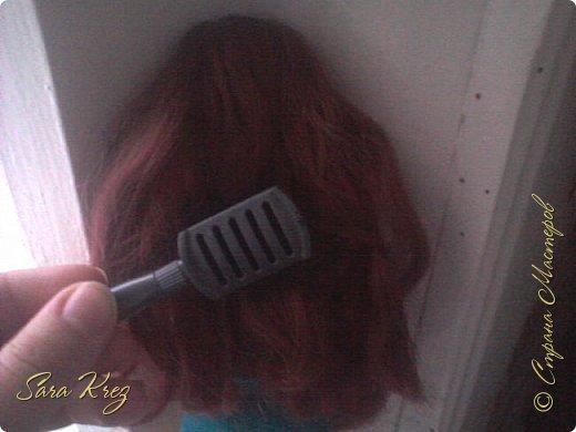 Всем приветики.Сегодня решила вам показать находку из интернета.Нашла как сделать кукле причёску с чёлкой,может кто-то её видел,но я вам её покажу!Это что-то типа Краткого мк. простите,но фото будут к сожалению не ахти фото 3