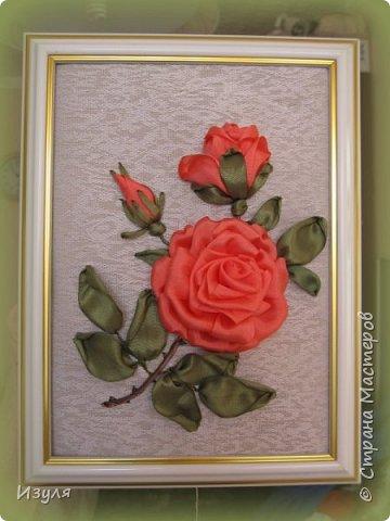 Вышивала шелковыми лентами, в конце работы чуть добавила тона в центре  цветка. фото 5