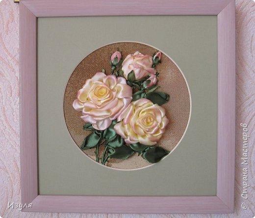Вышивала шелковыми лентами, в конце работы чуть добавила тона в центре  цветка. фото 6