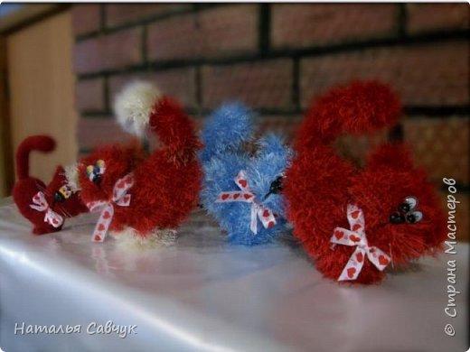 Всем привет!Вот такие сердечные коты связались в канун праздника, Дня св. Валентина)))Целый отряд получился...уж очень они популярные и милые))) фото 1