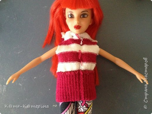 Привет. Решила показать вам как я делала свитер для моей куклы. Нам нужна перчатка. фото 3