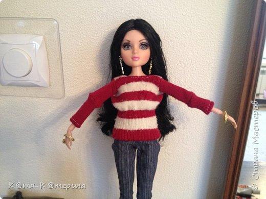 Привет. Решила показать вам как я делала свитер для моей куклы. Нам нужна перчатка. фото 11