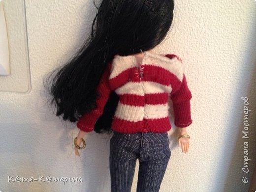 Привет. Решила показать вам как я делала свитер для моей куклы. Нам нужна перчатка. фото 12
