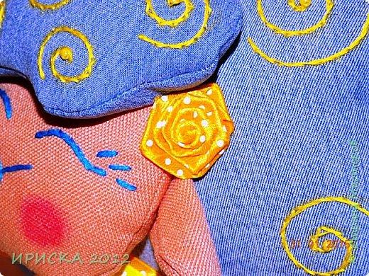 Доброго времени суток жители и гости Страны Мастеров!!! Очень люблю я джинс, а тут еще и задание на сайте Tempo Libero, спасибо Олечке Олисандре за ссылочку и вдохновение. По заданию нужно было сделать поделку из джинсовой ткани и еще ткань или декор желтого цвета. В итоге у меня получилась овечка Солнышко. фото 10