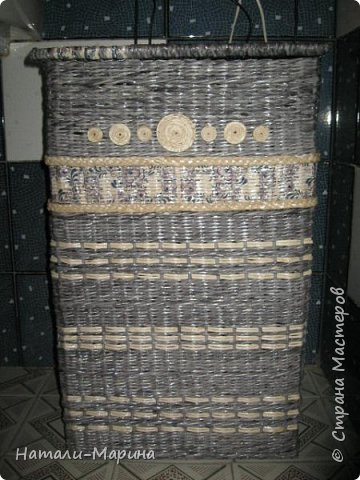 Короб (тоже первенец) для белья в ванную комнату. Крышка не крепится. Оплетена с обеих сторон. фото 8