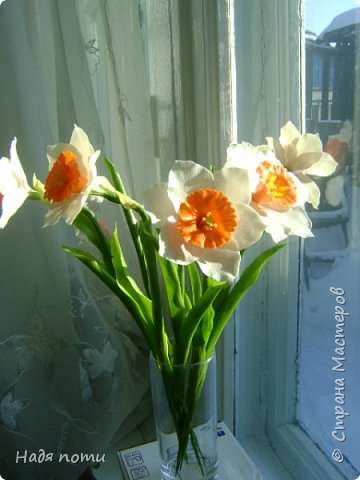 Захотелось слепить такие цветочки.Серединки конечно ярковаты,но в картинках нашла и такие. фото 3