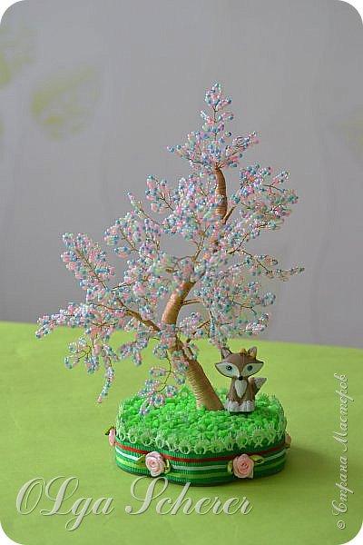 Здравствуйте уважаемые жители Страны Мастеров !!!Выставляю на Ваш суд мои первые деревца.Не чьим МК не пользовалась.На новый год мне подарили берёзку с янтарными листиками привезённую из Калининграда и по подобию её я сделала свои деревца. фото 3