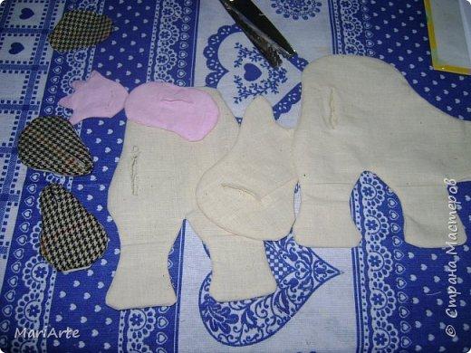 Мастер-класс Шитьё Шьём -Смешную коровку- М К Клей Кофе Краска Ткань фото 9