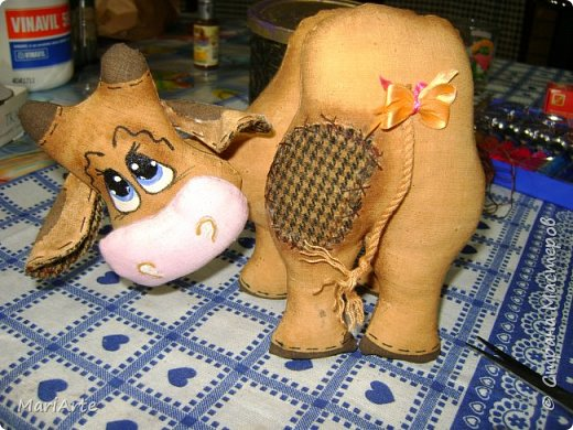 Мастер-класс Шитьё Шьём -Смешную коровку- М К Клей Кофе Краска Ткань фото 44