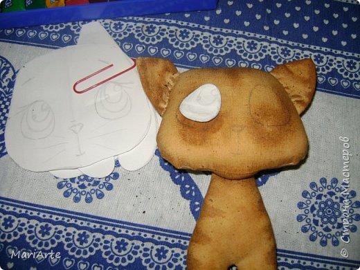 Идею такого котика с печальными глазками я взяла у Татьяны Ивлевой (Спасибо, Танюша).   Выкройку сделала сама, и вот получаются такие котята. Я расскажу, как  можно сделать такого ....  фото 10