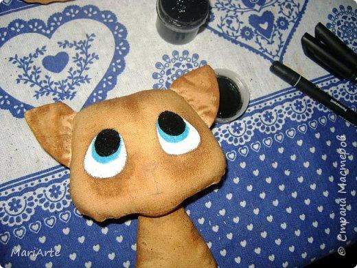 Идею такого котика с печальными глазками я взяла у Татьяны Ивлевой (Спасибо, Танюша).   Выкройку сделала сама, и вот получаются такие котята. Я расскажу, как  можно сделать такого ....  фото 14