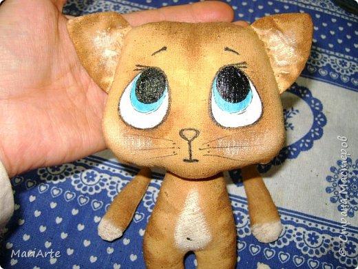 Идею такого котика с печальными глазками я взяла у Татьяны Ивлевой (Спасибо, Танюша).   Выкройку сделала сама, и вот получаются такие котята. Я расскажу, как  можно сделать такого ....  фото 17