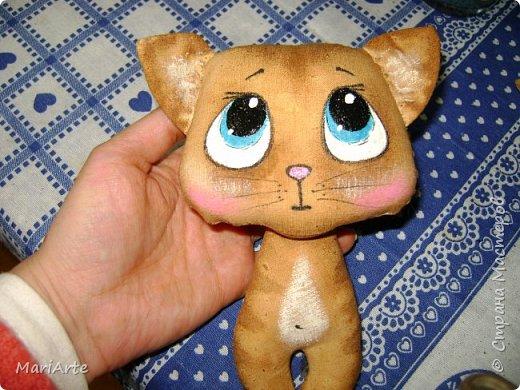 Идею такого котика с печальными глазками я взяла у Татьяны Ивлевой (Спасибо, Танюша).   Выкройку сделала сама, и вот получаются такие котята. Я расскажу, как  можно сделать такого ....  фото 18
