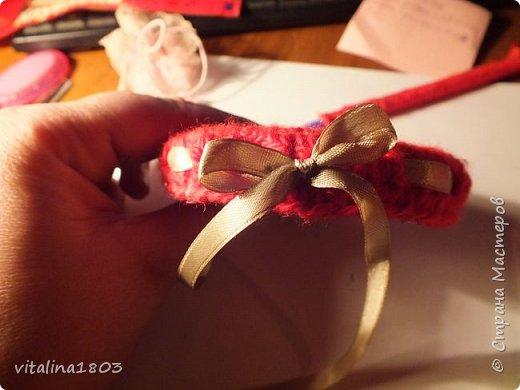Вот такую подставку (из старых и не нужных вещей) я сделала для куколки. Это мой первый мастер класс, так, что извините если, что! фото 21