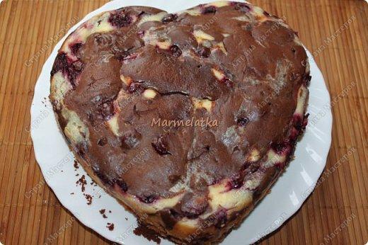 С Днем Всех Влюбленных!!!! Вот такую вкусноту я испекла любимому))) Брауни с вишней и творогом, мммм... фото 15